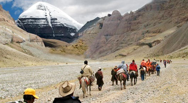 Pilgrims Trekking During Kailash Yatra