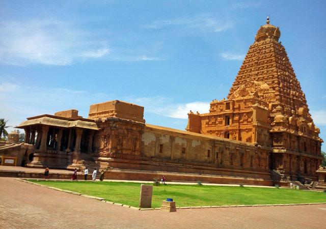 Brihadeeswarar-Temple--Tamil-Nadu