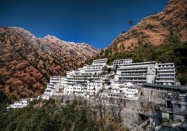 Vaishno-Devi-Temple-Jammu-Kashmir